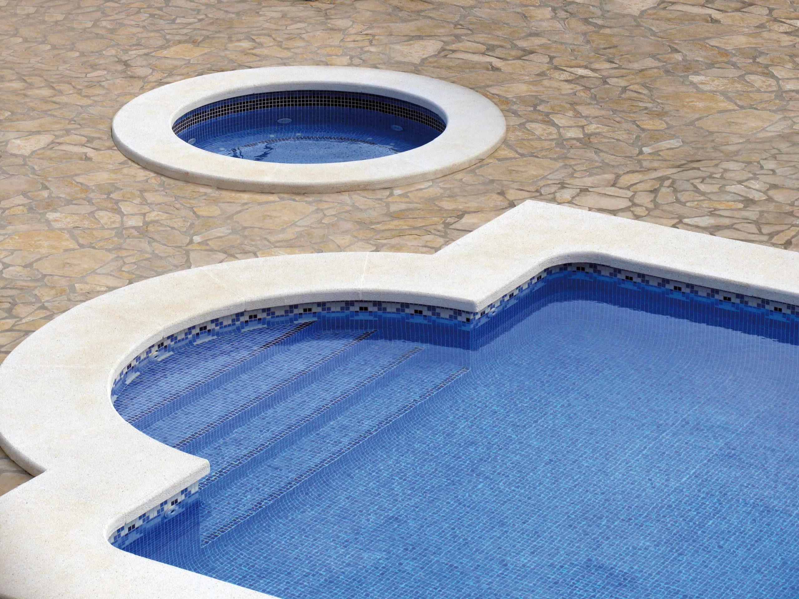 Mosaïque piscine réalisation Sols Concept - cenefas 2 mosavit