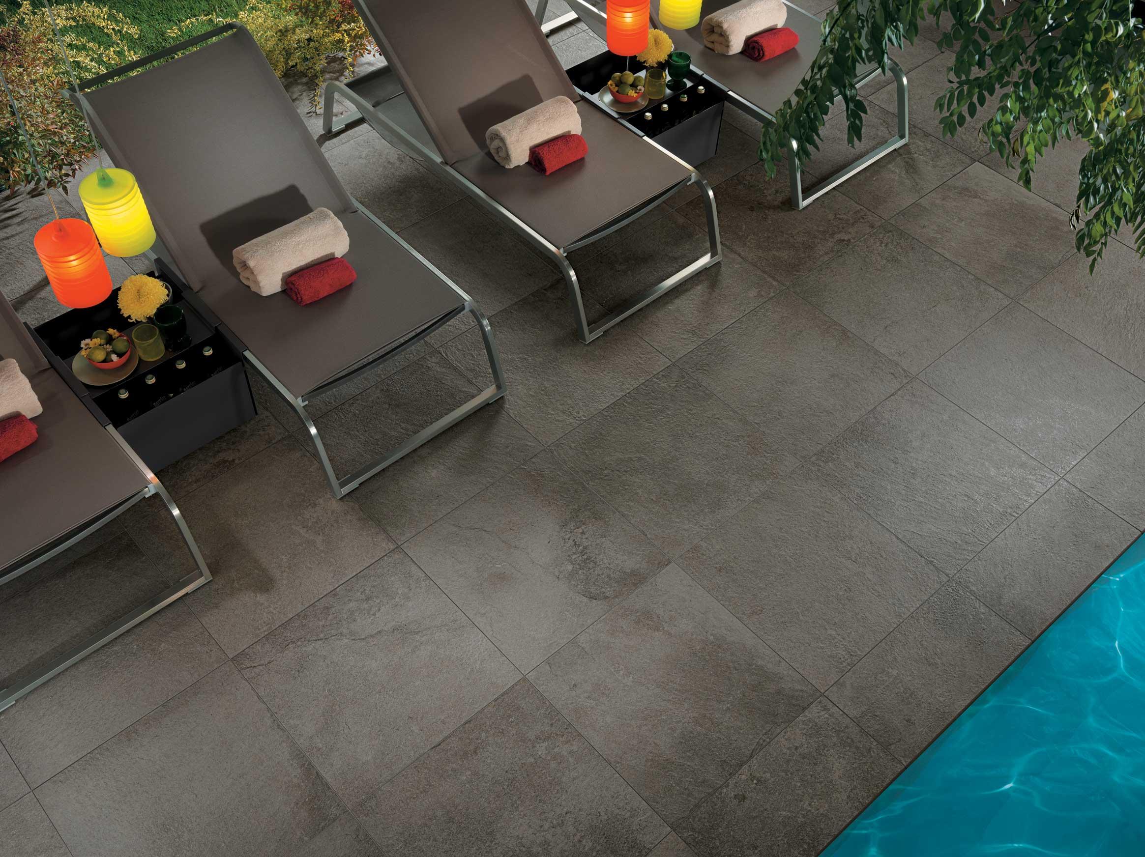 revêtement de sol grès cérame coloré dans la masse pour l'extérieur et piscine Sols Concept Gardanne
